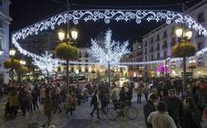 ¿En qué horario abren las tiendas y centros comerciales de Granada durante los días 5, 6 y 7 de enero?