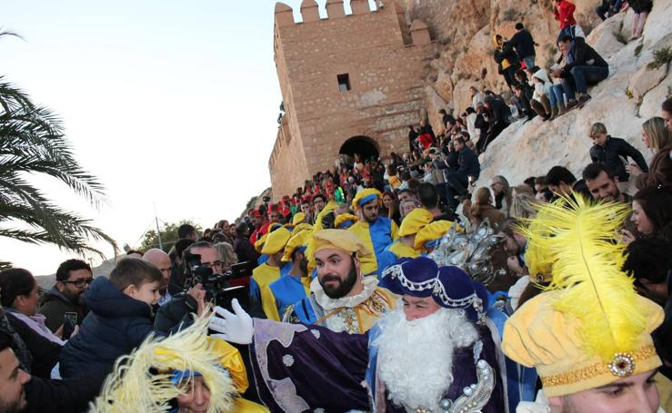 Así ha sido el desfile de los Reyes Magos de Oriente por Almería