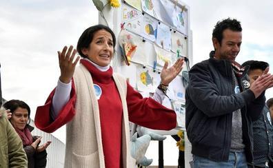 Los padres de Gabriel entregan la recaudación de la campaña 'Marea de Buena Gente' a asociaciones