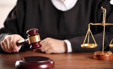 Juzgan a tres acusados de asesinar a golpes a un hombre por un cargamento de droga en Almería