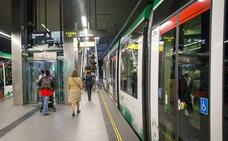 Críticas a Metro de Granada por funcionar sólo con nueve unidades