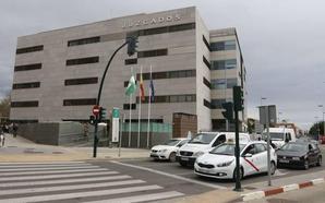 Cinco años y medio de cárcel por abusar del hijo de un amigo en Almería