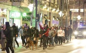 Marcha antifascista en el centro de Granada