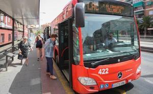 Rober 'estrena' hoy dos autobuses alquilados de segunda mano