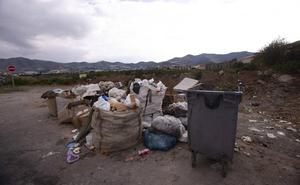 La empresa FCC reforzará la recogida de basura en los 1.800 cortijos de Motril desde el día 21