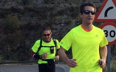 Dos hermanos correrán desde Loja hasta Salobreña en 24 horas para recaudar fondos contra el cáncer