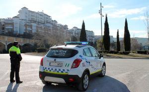 Vecinos alertan de carreras ilegales de motos en la urbanización de golf de Medina Elvira