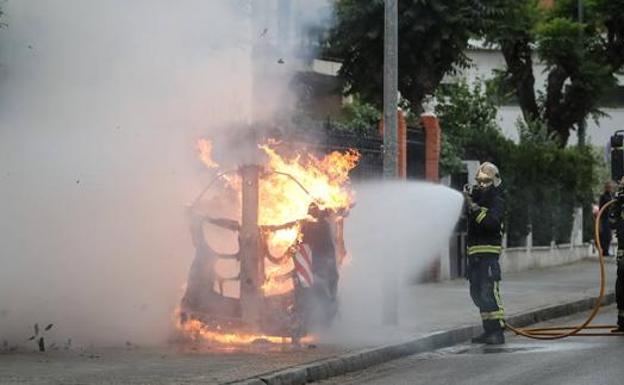 Prenden Fuego A Los Contedores Soterrados De Basura De La Plaza De