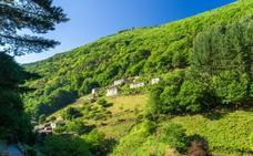 La andaluza que ha comprado un pueblo de Lugo por 60.000 euros