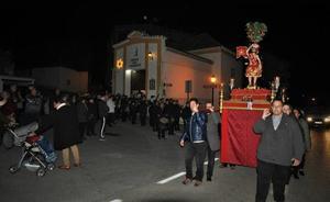 Lanjarón traslada la imagen de San Sebastián desde su ermita a la iglesia para celebrar los actos religiosos y sus fiestas patronales