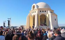 Más de 4.000 almerienses acompañan a la Virgen del Mar hasta su ermita