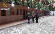 Detenida una 'celestina' que amañaba parejas para regularizar a extranjeros