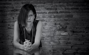 Pilar Dalbat: «La 'villana' real se viste con prendas que tienen alma»
