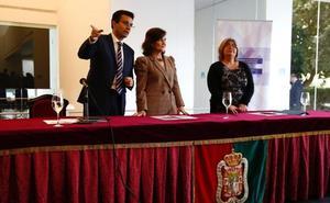 La vicepresidenta destaca las muestras «firmes» del Gobierno para el impulso de las comunicaciones de Granada
