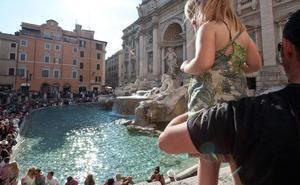 La Fontana di Trevi sigue ligada a Cáritas