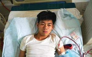 Un estudiante chino que hace ocho años vendió un riñón para comprar un móvil de alta gama vive postrado en una cama