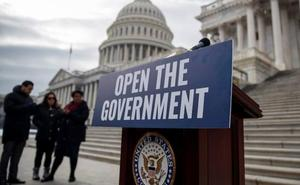 EE UU fuerza a sus funcionarios a trabajar sin cobrar