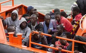 Seis detenidos por introducir migrantes por las costas desde Marruecos y llevarlos a Almería