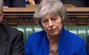 Theresa May supera la moción de censura
