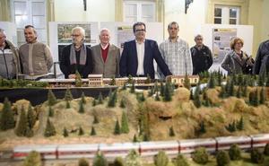 Diputación se convierte en una pequeña estación en la muestra 'Trenes a escala'