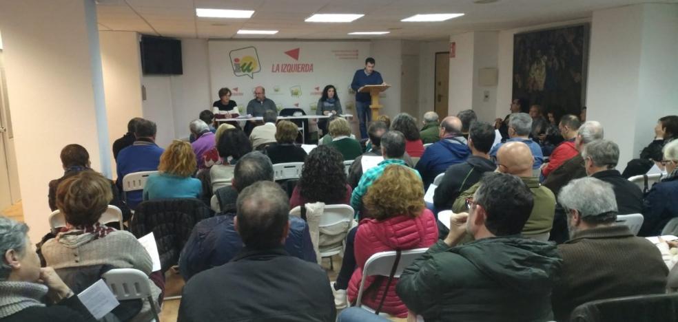 La militancia de IU en Almería vota a favor de que Román sea la portavoz