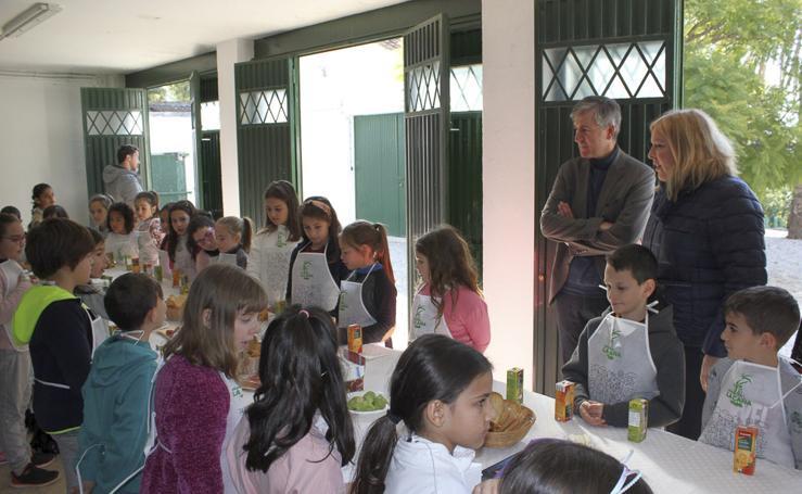Los escolares descubren cómo llegan los productos de la huerta a su mesa