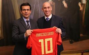 Luis Rubiales anuncia que la final de la Copa de la Reina se jugará en Granada