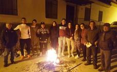 Quesada se convierte en una antorcha de 51 lumbres en la noche antesala de San Antón
