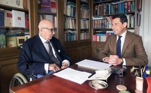 Moreno se estrena con gestos que reivindican la autonomía andaluza