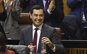 Moreno toma posesión como presidente de la Junta arropado por Casado, Rajoy, Santamaría y Feijóo