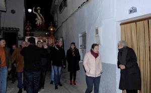 Órgiva realiza la bajada de la imagen de su patrón San Sebastián en procesión desde su ermita a la iglesia