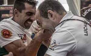 La vida de los luchadores de brazos: competir echando pulsos