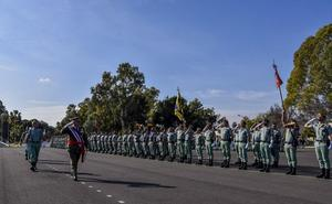 Cerca de 800 ciudadanos manifiestan guardar la Constitución y defender a España