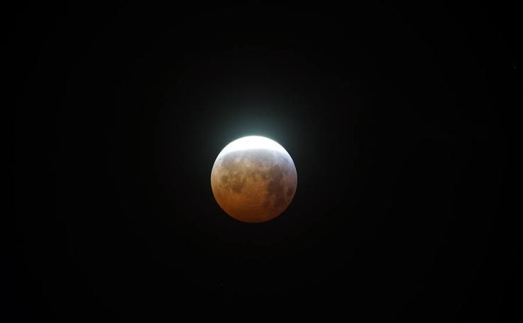 Así se ha visto la supersperluna de sangre