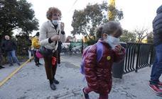 Los padres del Luis Rosales se concentrarán con mascarillas cada lunes si no retiran los autobuses