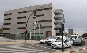 El acusado de intentar inducir a su hija al suicidio en Almería acepta más de tres años de prisión