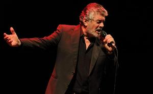 Francisco enamora al público con sus canciones y portentosa voz