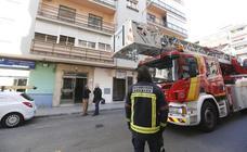 Hallan a un hombre muerto en su casa de Granada y a su madre enferma tras varios días sin saber de ellos