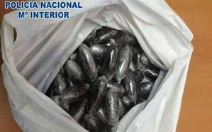 Arrestado en el barrio del Zaidín con 50 bellotas de hachís