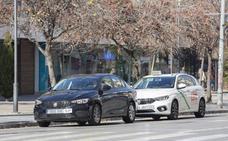 Uber circula con 50 coches bajo amenaza de sanción si pasa por zonas restringidas