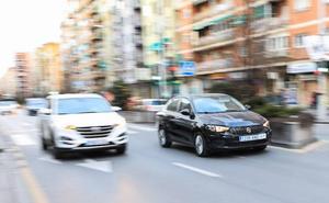 La falsa anciana que se sube a tu coche en Granada vuelve a Whatsapp y Facebook