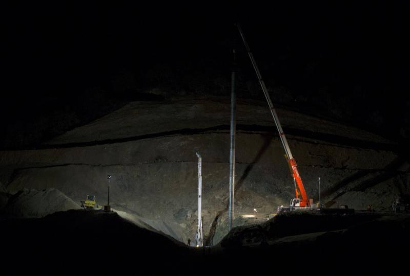 El operativo prevé terminar esta noche los trabajos para arreglar el pozo que llevaría hasta Julen