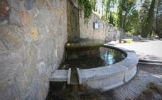 Piden una cata arqueológica en la fuente de Alfacar «para conocer la verdad» sobre los restos de Lorca