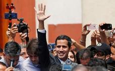 Maduro desoye los llamamientos a dejar el poder y Guaidó promete más movilización