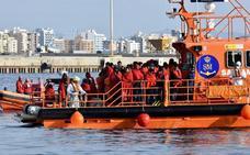 Rescatadas 81 personas de dos pateras localizadas en el mar de Alborán