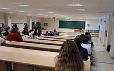 La Junta de Andalucía convoca más de 4.000 plazas libres de Enfermería