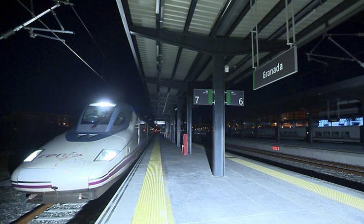 El primer AVE en pruebas llega a la estación de Granda