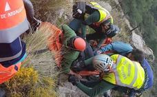 La Guardia Civil rescata a un escalador accidentado en Alfacar