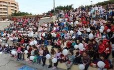 Casi un millar de escolares hace sonar los 'tambores por la Paz' en la Rambla