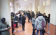 La UGR anula otra vez la lista de aprobados en el examen de auxiliar de administrativo
